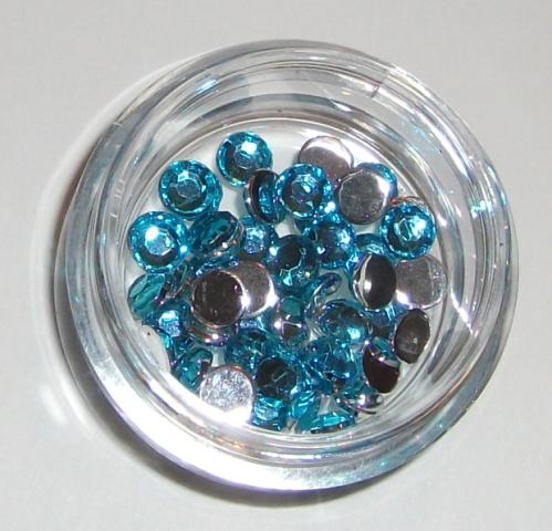 5. Kék strassz